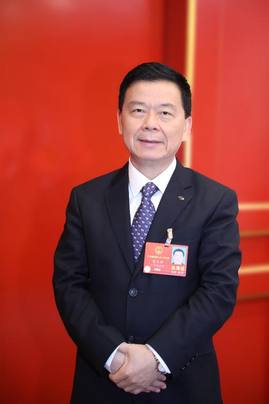 全国人大代外、广汽集团董事长曾庆洪