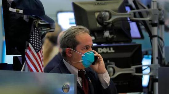 午盘:美股走低科技股领跌 纳指下跌2.5%