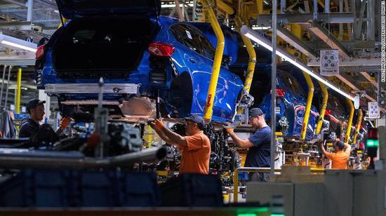 全球芯片危机恶化 福特关闭德国工厂1个月