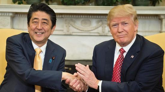 安倍将向特朗普提议展开贸易谈判 鼓励美回到TPP