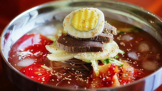 数据显示韩国首尔餐饮价格普涨 一碗冷面卖50多元韩元