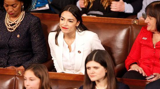 美最年轻女议员让华尔街心寒:20年来最难对付的人
