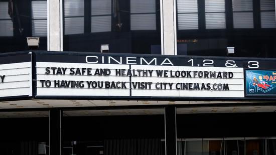 新冠疫情不断恶化 美国影业前景堪忧