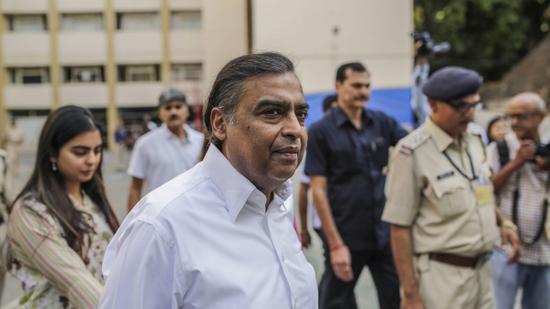 印度首富34亿美元收购印零售巨头未来集团