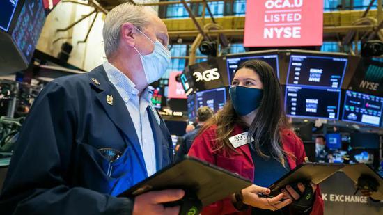 收盘:美股周五收高 纳指标普创收盘新高