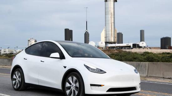 美国政府车队拟全面采用电动汽车 特斯拉股价大涨