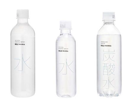 """此次被召回的三款产品,500毫升装和330毫升装的天然水、以及430毫升装的碳酸水,其中""""天然水""""约50万瓶、""""矿泉气泡水""""约9万瓶"""