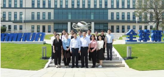 东方雨虹(ORIENTAL YUHONG)与万华化学开展合作研发交流活动