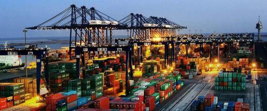 人民日报海外版:外贸量质齐上扬 应对挑战有底气