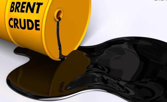 油价突破每桶100美元 可能导致明年全球经济增长减少0.2个百分点