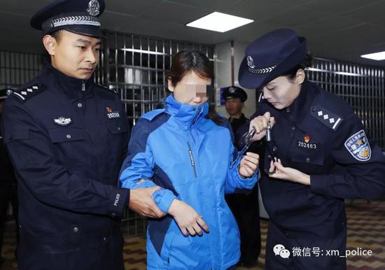 廈門警方將命案逃犯勞榮枝移交江西南昌警方