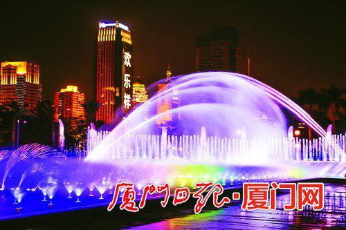 厦门白鹭洲音乐喷泉_厦门白鹭洲灯光秀将持续至2月20日 每晚8点至9点_新浪福建_新浪网