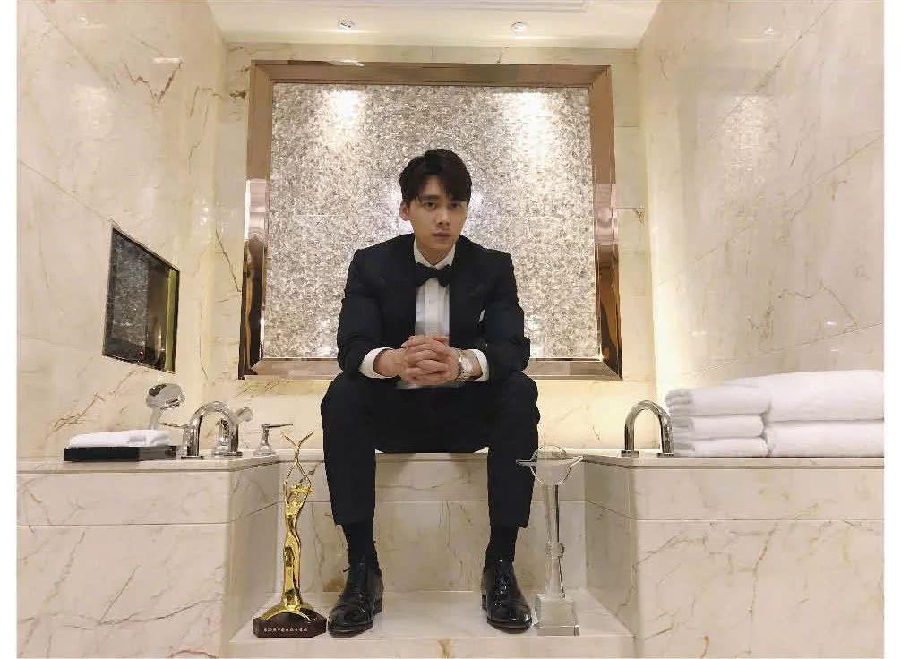 南都娱乐2018十大人物·李易峰 稳扎稳打,翻转口碑