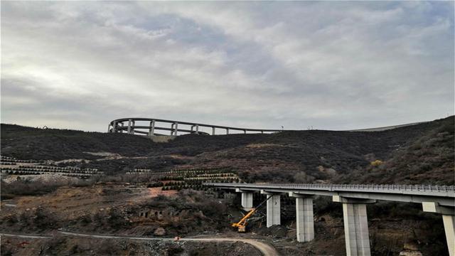兰州中山桥简笔画_壮观的高架桥简笔画-皮卡丘简笔画_壮观高架桥