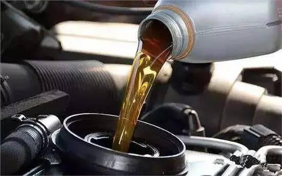 汽车出现这3种现象, 说明你的座驾开始烧机油了