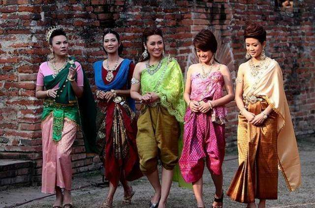 缅甸美女来中国游玩,待一段时间后,直言:中国太好,不想回国