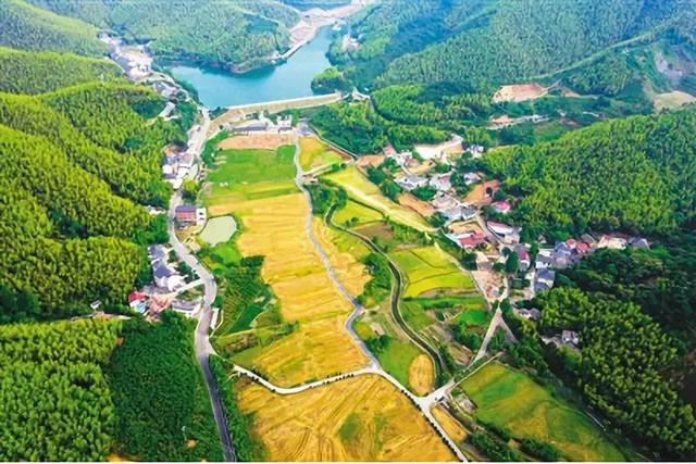 田园综合体_农业庄园+田园综合体+特色小镇,未来30年房地产转型的