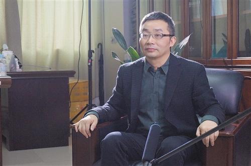 参加中国电影文学论坛 作家东西为广西电影人支招