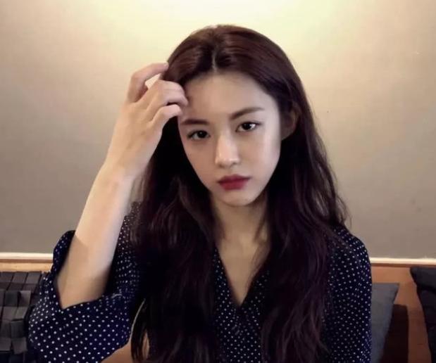 亚洲100最美面孔_韩国美女被赞\