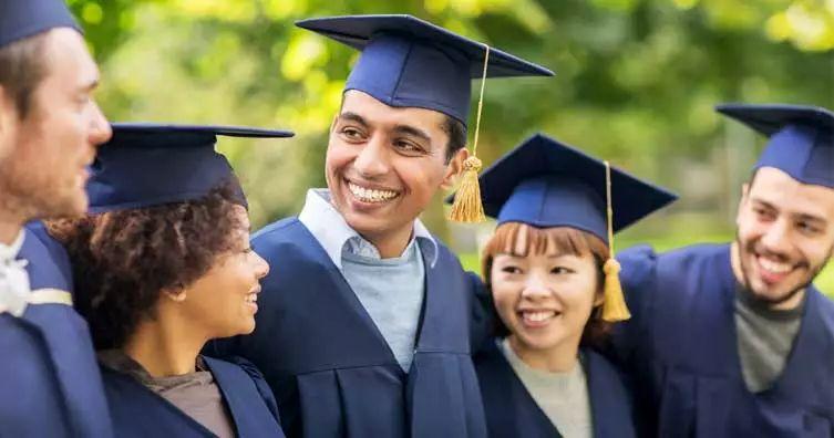 目前,英国还有其他五所名校承认高考成绩啦。它们分别是: