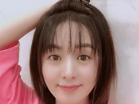 自拍测脸型_赵丽颖结婚两个月脸型都变了, 素颜自拍像谢娜, 粉丝的猜测很靠谱