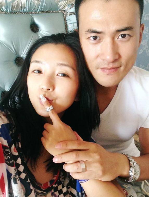 黄毅清正式道歉,道歉的对象却不是何洁或刁磊,而是刁磊的前妻!