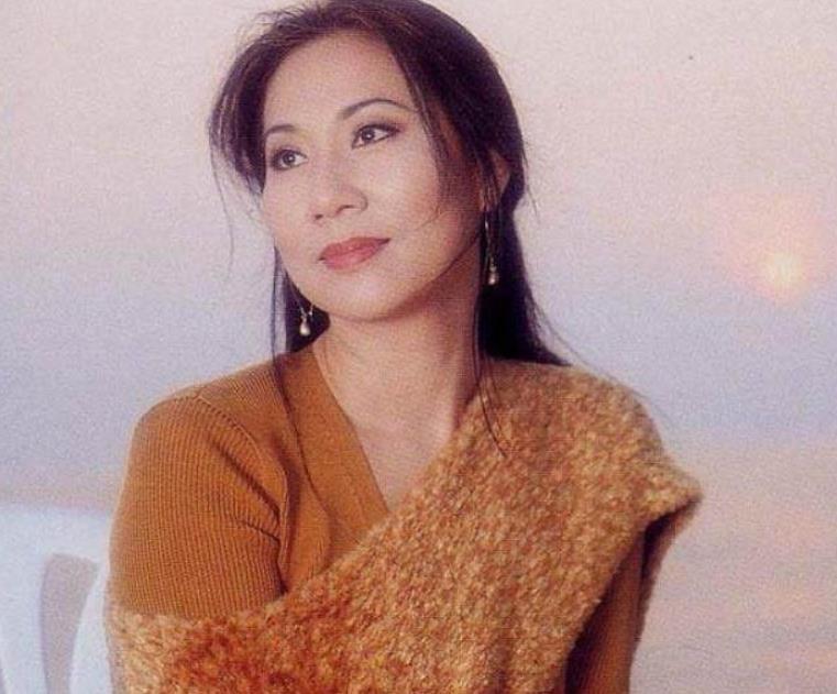 她名气不输邓丽君,嫁入豪门互相扶持,今68岁依旧貌美淡出荧屏