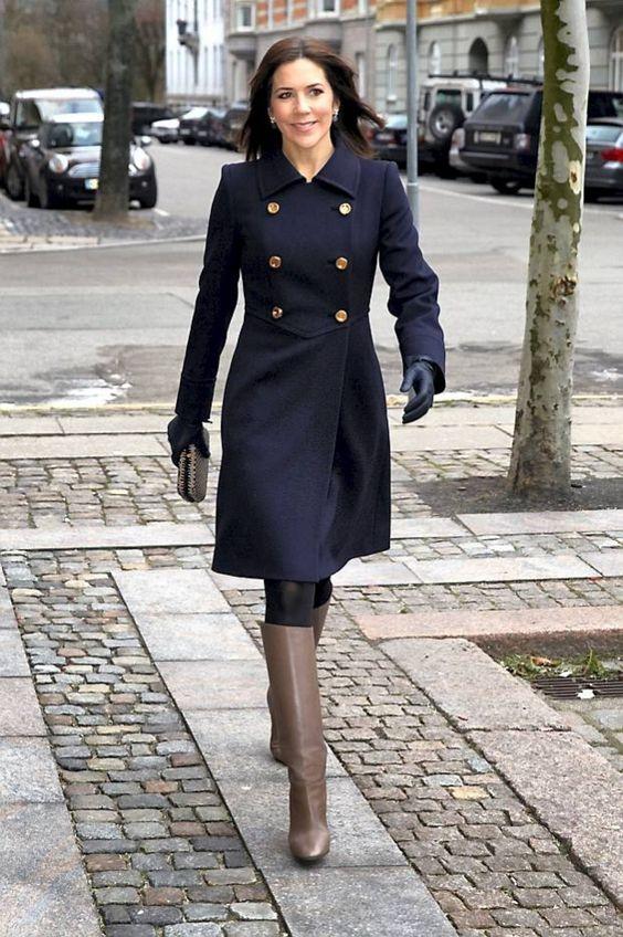 丹麦王妃玛丽照片_丹麦王妃玛丽穿连衣裙配\