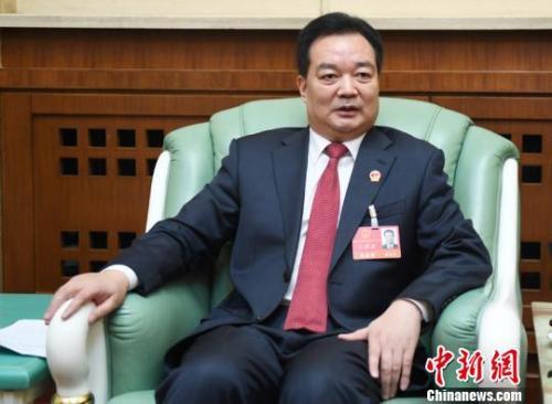 资料图:2017年1月,时任长春市委书记王君正接受中新网记者采访。 张瑶 摄