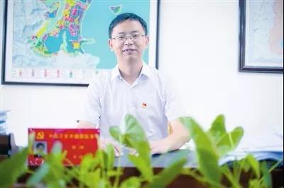 """刘冲。 图片来源:三亚市海棠区政府官方微信""""海棠发布"""""""