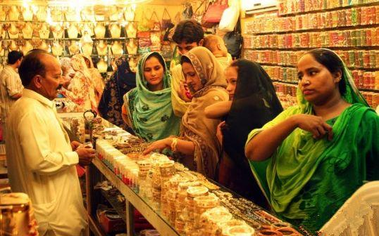中国游客在巴基斯坦游玩,出手非常阔绰,印度人看红了眼