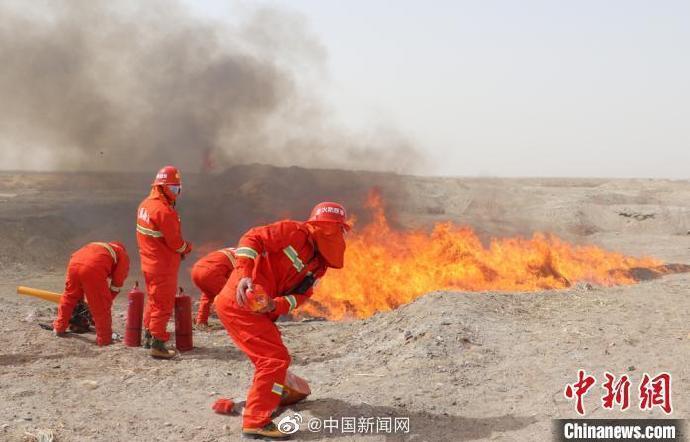 新中國成立以來已有700余名消防烈士犧牲圖片
