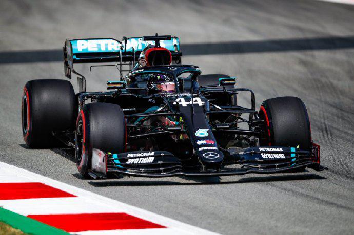 F1| F1西班牙站FP2:汉密尔顿最快 梅奔统治周五