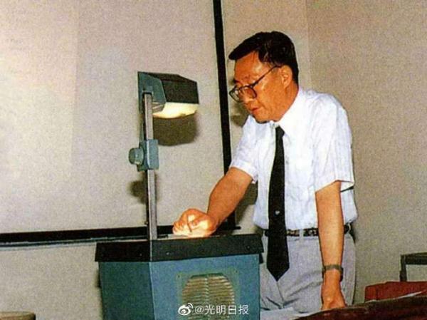 中国科学院院士、腐蚀科学与电化学专家曹楚南逝世 推荐 第4张