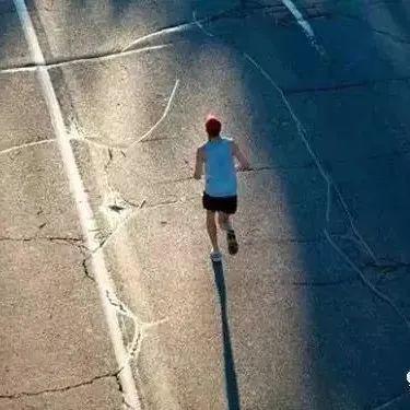 不正确的跑步=自残!这些常识你应该知道