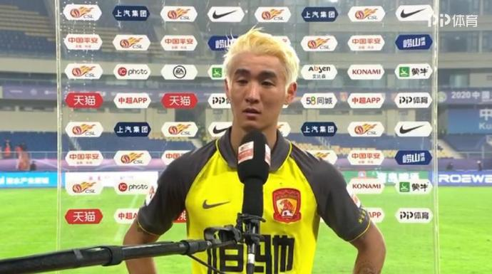 韦少:谢谢广州塔给染头 老卡说不进球把我头发剪了