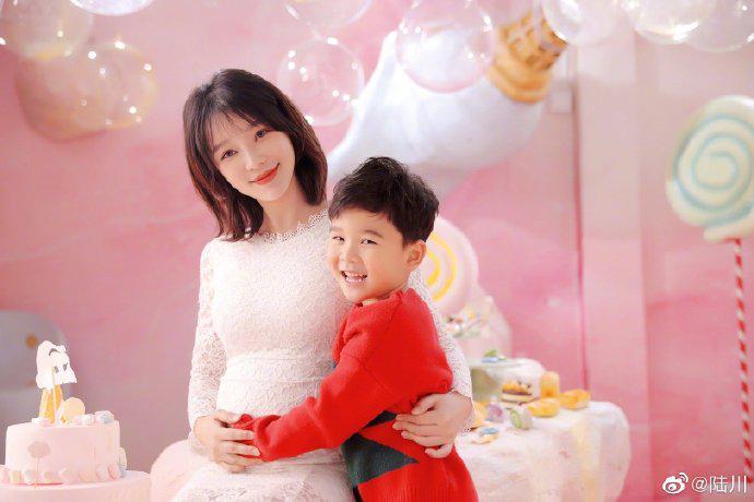 导演陆川发文宣布二胎得女喜讯:葫芦妈辛苦了