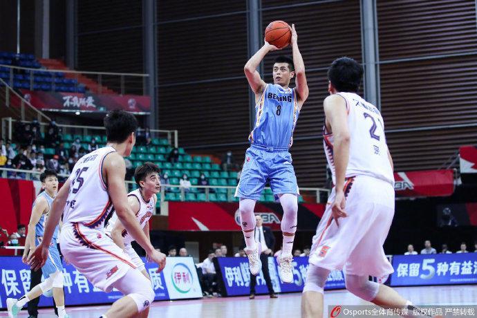 22分大逆转!吉布森爆砍46+6+7 北京胜上海