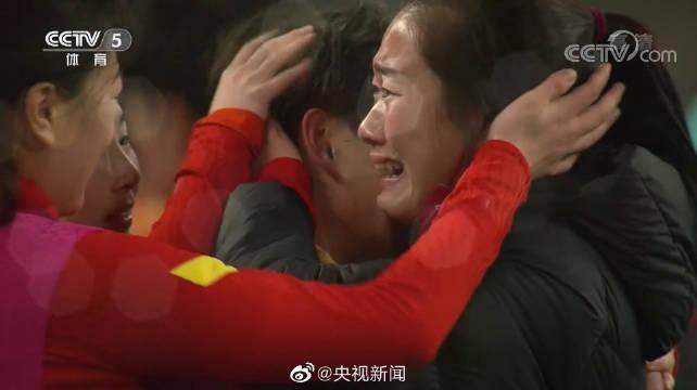 女足挺进奥运!王霜:落后时想冲也要冲垮韩国队