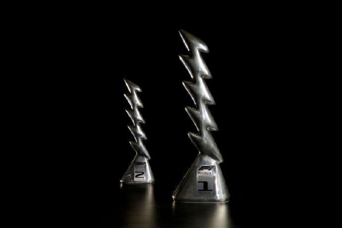 F1伊莫拉站奖杯由艺术家设计打造