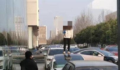 """特斯拉发布《关于上海车展""""维权""""张女士的沟通进展及事件说明》的照片 - 9"""