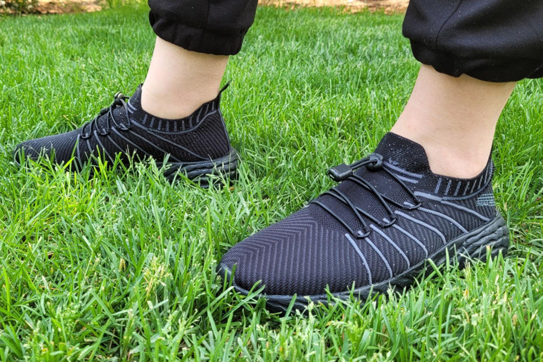 放弃不好看的雨靴吧!这款小黑鞋踩水坑也不怕