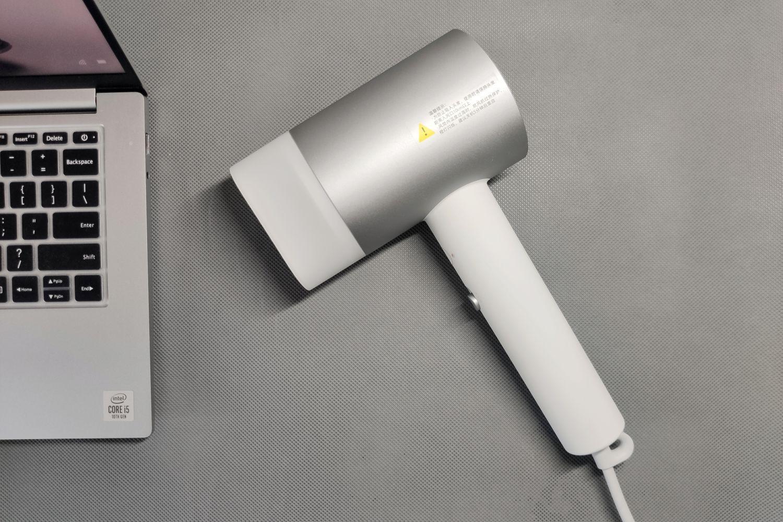 米家水离子吹风机H500,相比第一代升级了啥?