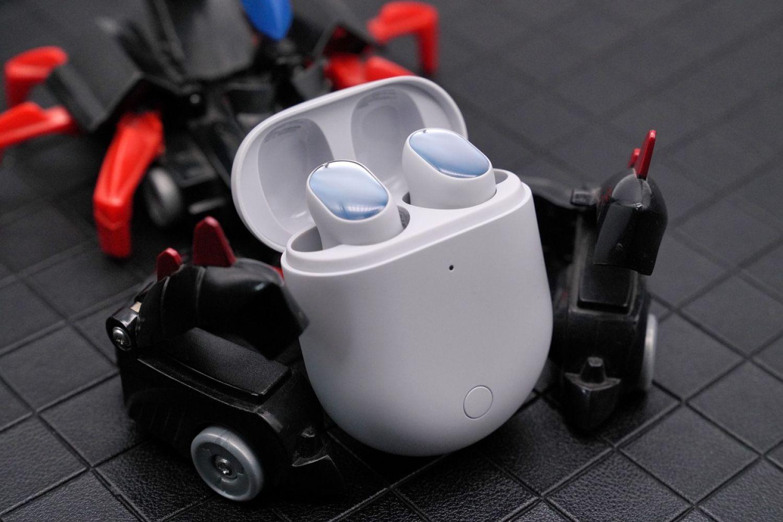 Redmi AirDots 3 Pro:过一个炫彩的夏天
