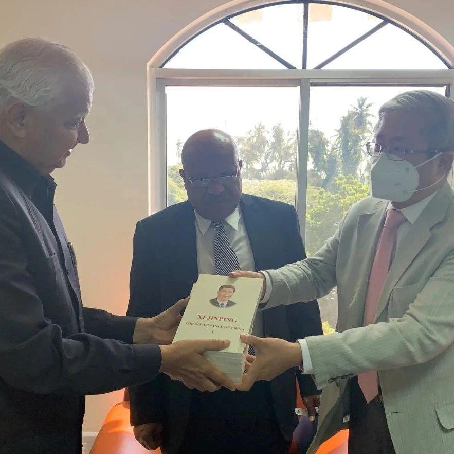 驻桑给巴尔总领事拜会桑宪法、司法、公共服务和反腐事务国务部长苏莱曼
