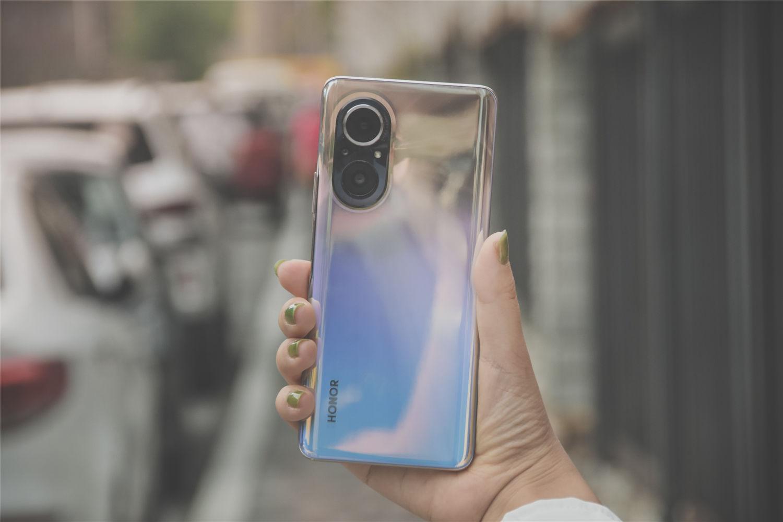 荣耀50 SE评测:亿像素,颜值超过预期手机