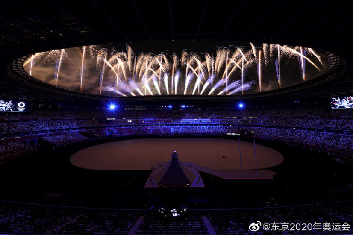千呼万唤!东京奥运会终于开幕了 烟火分外美丽!