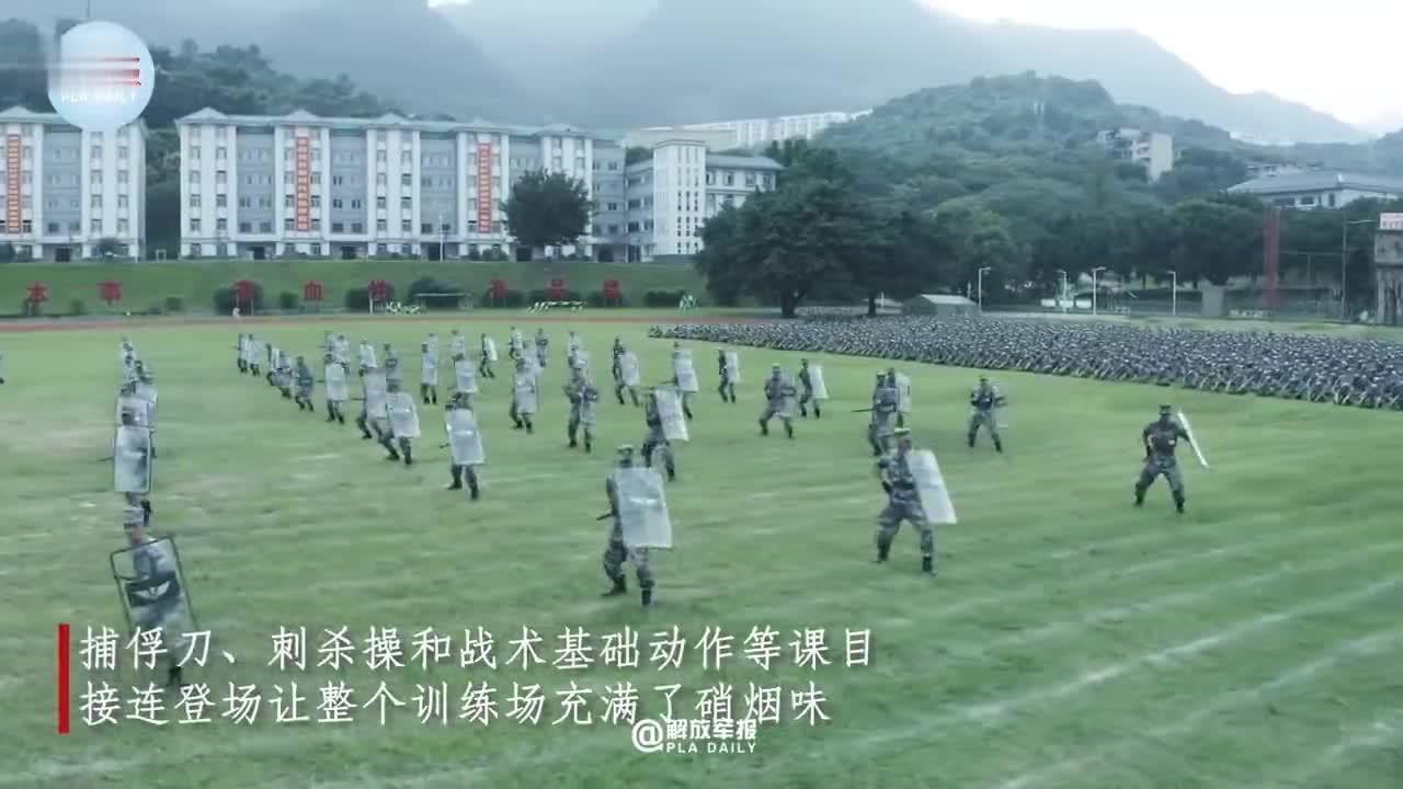 张桂梅学生参军到西藏励志成为高原女兵