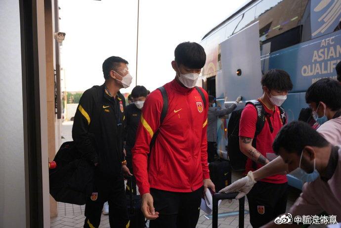 国足已经抵达沙特,接受核酸检测后入住驻地酒店!