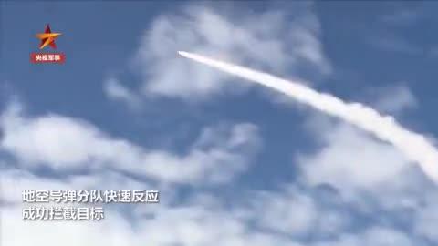 西藏高原防空旅拦截模拟巡航导弹